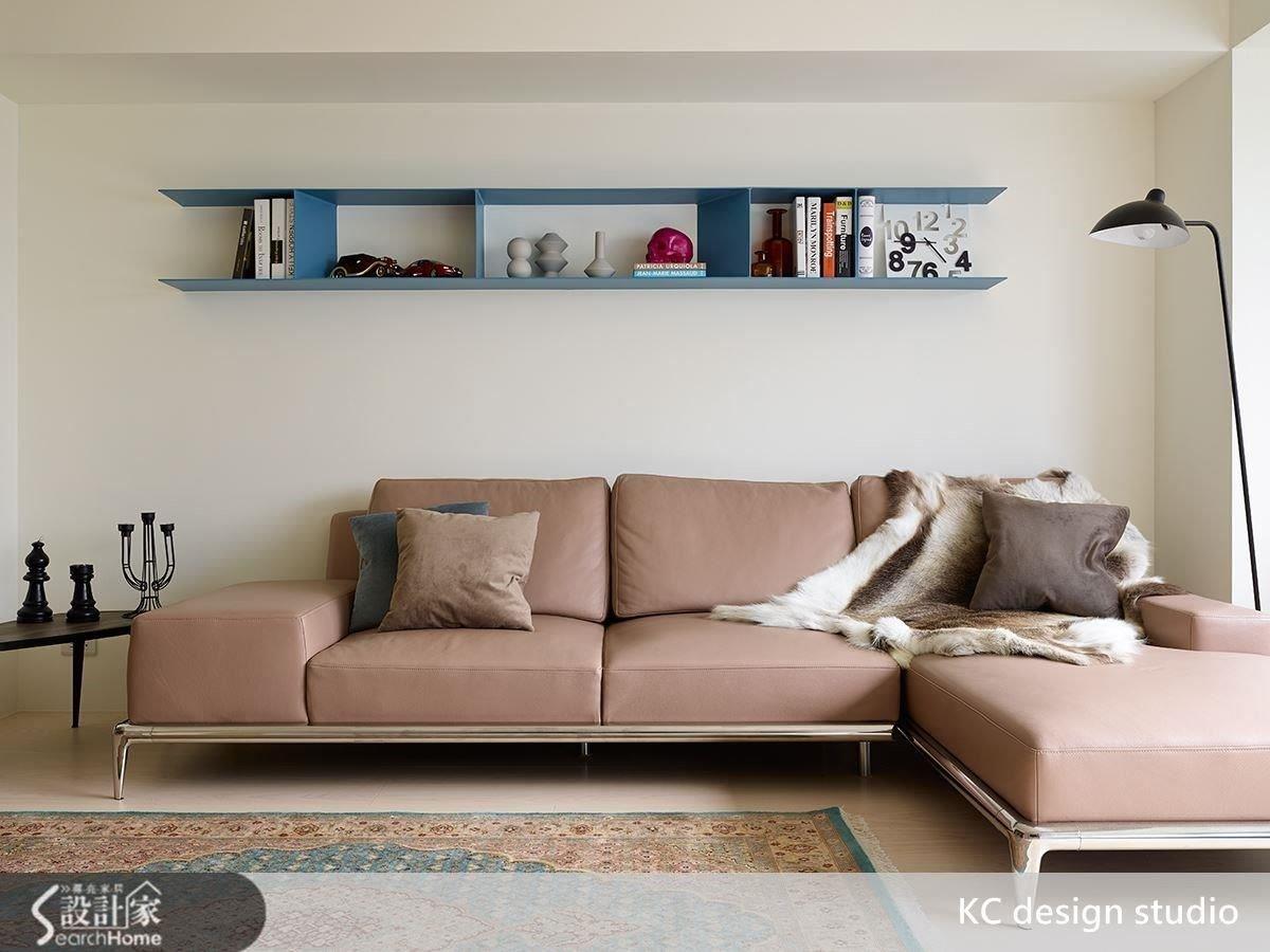粉色沙發在留白的詮釋下讓慵懶優雅的氣質嶄露無遺。