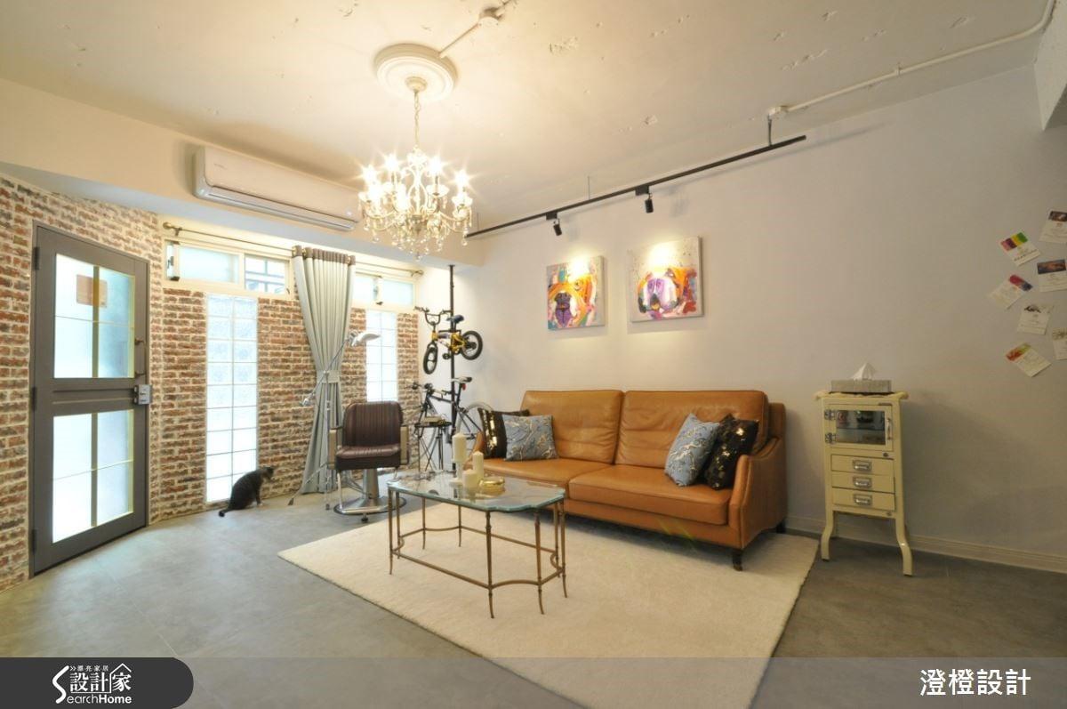替4、50 年的大齡公寓賦予新生命,作為設計師的起家厝。