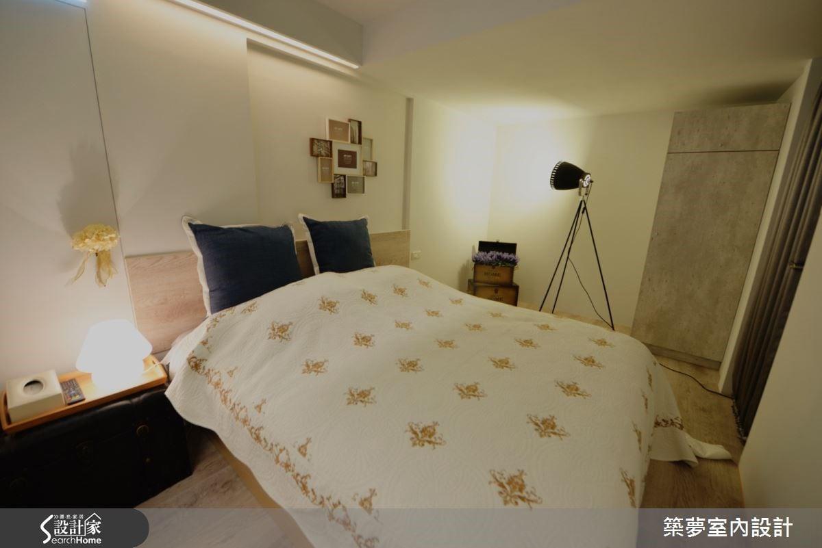 整體臥室,精算設計搭載完善收納功能,以熟稔技巧劃分視線角度,讓視覺延伸,享受寬敞紓壓的空間感。佐以簡約線條收斂空間,精選精品家飾、家具相襯,突顯專屬的旅店時尚美學。