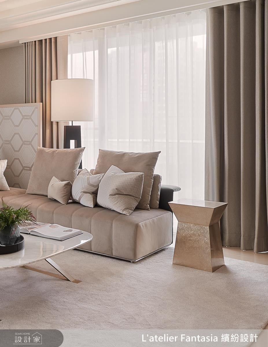 異材質在溫潤柔美的色調搭配下,呈現南法休閒舒適感。